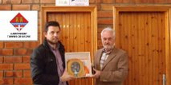 L'AJUNTAMENT DE TORRES DE SEGRE ADQUIREIX UN DESFIBRIL·LADOR