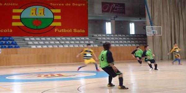 FI DE CURS DE FUTBOL SALA 2007-2008 VINE A ANIMAR ALS DIFERENTS EQUIPS DEL CLUP ATLÈTIC TORRES DE SEGRE