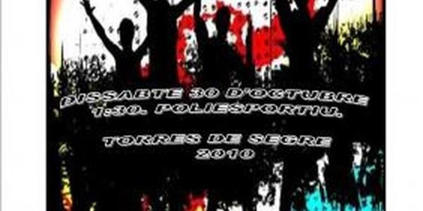 EL PROPER DISSABTE 30 D'OCTUBRE NIT JOVE FINS A ALTES HORES DE LA MATINADA - GRUP DE VERSIONS I DISCO MÒBIL